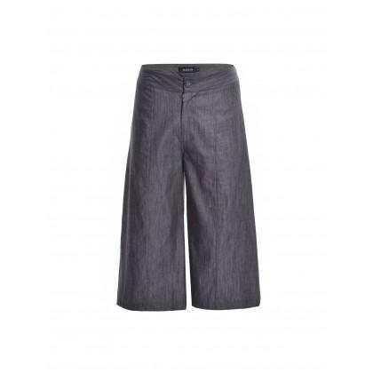 black flared denim pants